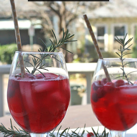 Ginger Cranberry Fizz