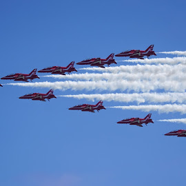 Arrow Formation by Tim Clifton - Transportation Airplanes
