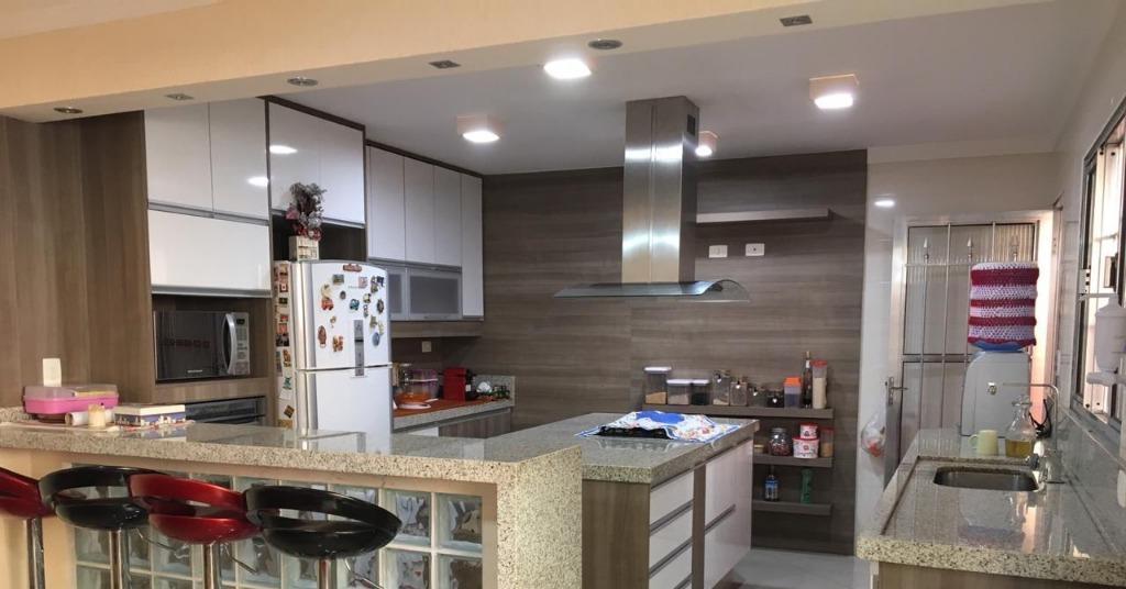 Casa com 3 dormitórios à venda, 316 m² por R$ 735.000 - Jardim Terezópolis - Guarulhos/SP