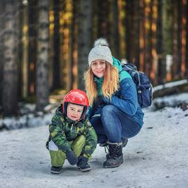 Winter trip by Piotr Owczarzak - People Family ( winter, cold, karpacz, karkonosze, forest, kids, women, mum, boy, poland )