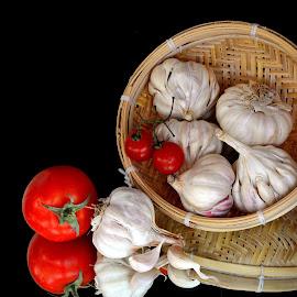 Garlics by Asif Bora - Food & Drink Ingredients