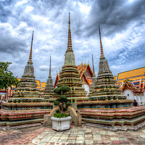 Wat Pho, Bangkok by Reza Roedjito - Buildings & Architecture Places of Worship (  )