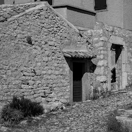 old by Dušan Gajšek - Buildings & Architecture Architectural Detail ( _mesta, kamnita ulica, otok, lubenica, cres )