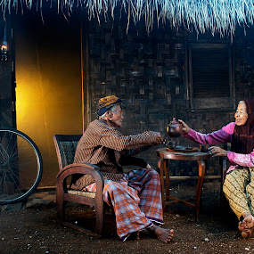 till die by Nicholas Wibowo - People Family ( senior group )