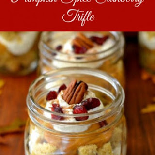 Pumpkin Spice Cranberry Trifle in a Jar | Ball Canning Jar Giveaway #HolidayRecipes