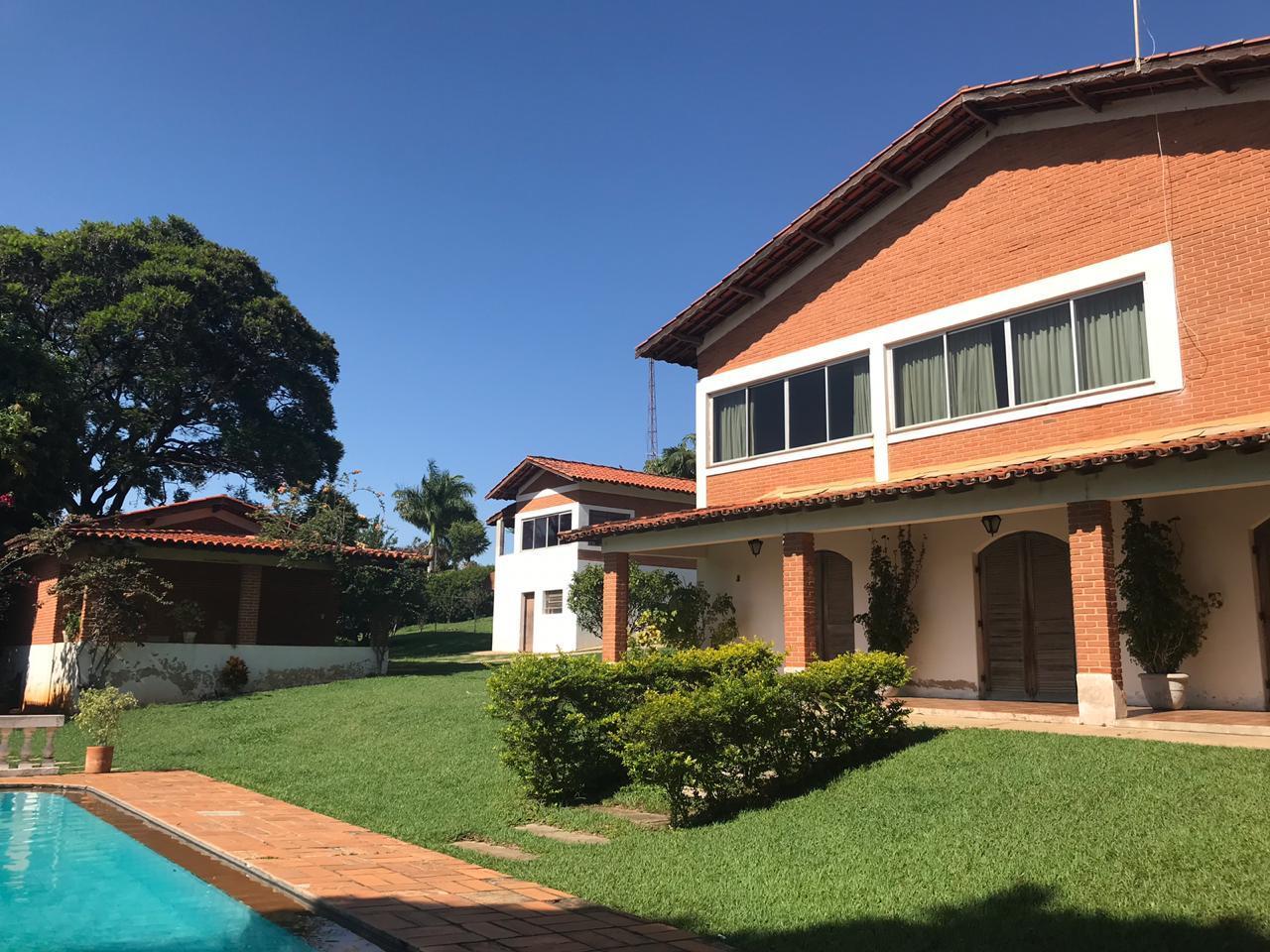 Chácara de 2.500m2 com 4 dormitórios e 1 suite à venda - Colinas do Mosteiro de Itaici - Indaiatuba/SP