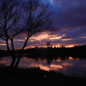 západ nad rybníkem by Libuše Kludská - Landscapes Sunsets & Sunrises