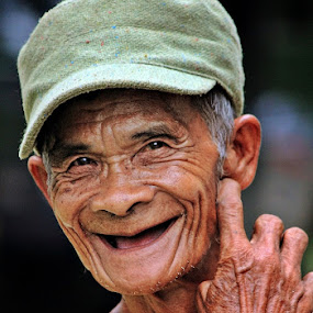 by Kuswarjono Kamal - People Street & Candids ( senior citizen )