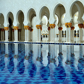 Sheikh Zayed Grand Mosque by Tomasz Budziak - Buildings & Architecture Architectural Detail ( mosque, buildings, architecture,  )