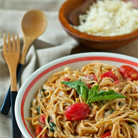 One-Pot Tomato Basil Pasta