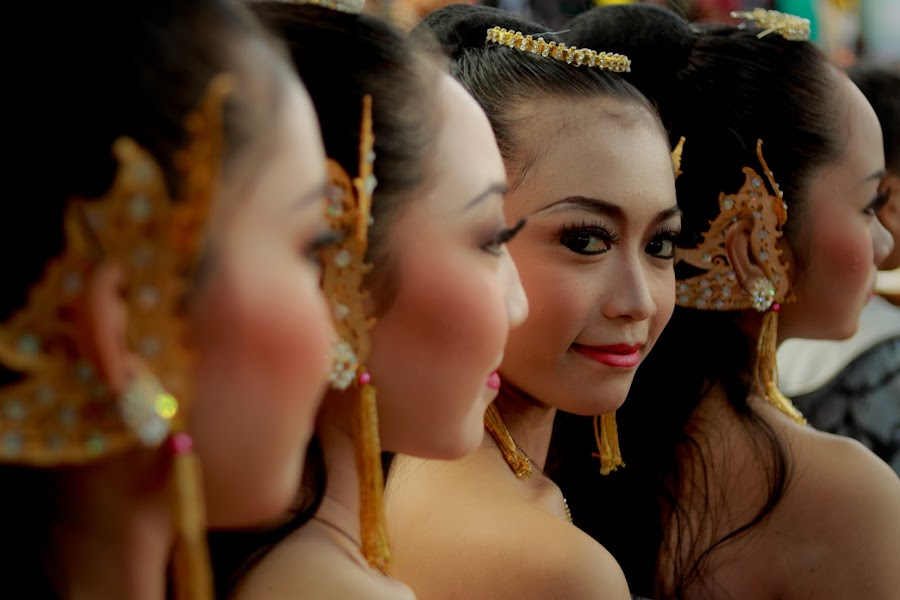 smiling princess by Agung Krisprimandoyo - People Group/Corporate ( indonesia )