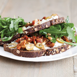 Goat Cheese Sandwich With Sun-dried Tomatoes