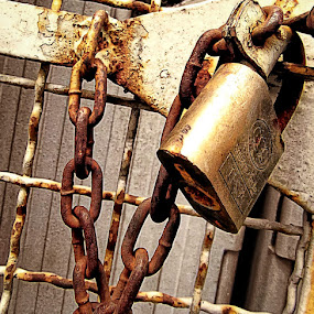 CHAINED by Rogz Necesito Jr. - Artistic Objects Still Life