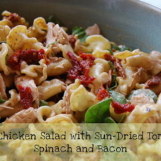 Friday Favorite – Pasta Chicken Salad with Sun-Dried Tomatoes, Spinach and Bacon