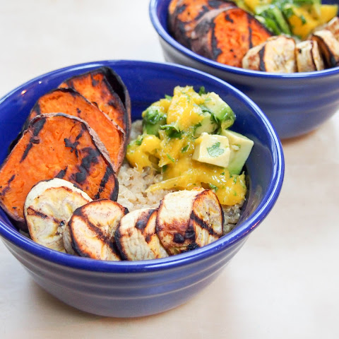 Cuban quinoa bowl with grilled sweet potato and plantain and avocado-mango salsa #WeekdaySupper