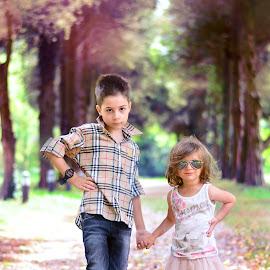 Rani & Rania by Dan-Vladimir Constantinescu - Babies & Children Child Portraits ( sweet kids, girl, children, boy, fashion children )