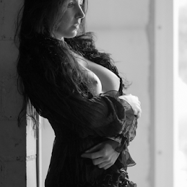 Angelina by Reto Heiz - Nudes & Boudoir Artistic Nude ( erotic, sexy, topless, nude, black and white, female nude )