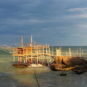Trabocco by Donato Fratoianni - Buildings & Architecture Bridges & Suspended Structures