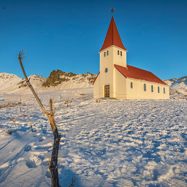 Vik Church by Ian Pinn - Buildings & Architecture Places of Worship ( iceland, red, cold, church, vik, blue, snow )
