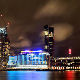 Sea Containers House by Bill Green - City,  Street & Park  Night ( sea containers house, the thames )