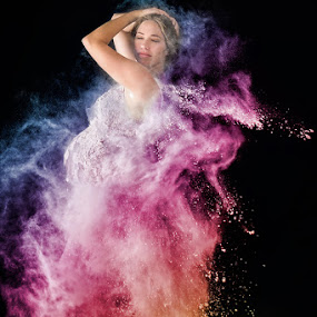 by Lyndie Pavier - People Maternity ( maternity, flour, colors, woman, pregnancy )