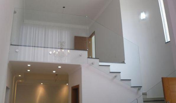 Sobrado residencial à venda, Parque Residencial Alcântara, Londrina.