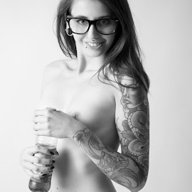Have a break by Tom Fensterseifer - Nudes & Boudoir Artistic Nude ( studio, girl, nude, black and white, tattoo )