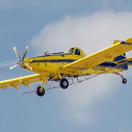 by David Hopper - Transportation Airplanes
