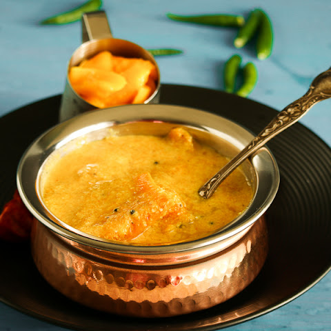 Mambhazam Puliserry | Mambhazam Kalan Puliserry | Ripe Mangoes in thick yogurt based coconut gravy