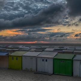 Beach cabins by Egon Zitter - Buildings & Architecture Other Exteriors ( clouds, cabin, blankenberge, dark, horizon, belgium, beach, evening )