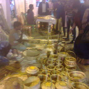 Artisans selling art-pieces @ hand-craft fair by Jayita Mallik - People Professional People ( items, buyers, artistic, handmade, people )
