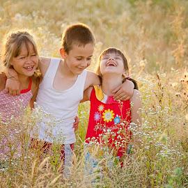 Veselie mare by Veronica Stoica - Babies & Children Children Candids ( KidsOfSummer )