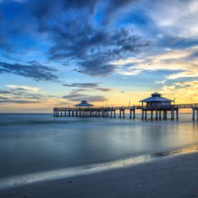 A lovely place by Kai Buddensiek - Landscapes Beaches ( clouds, landschaft, fort myers, wolken, strand, sea, beach, 16-35, landscape, usa, meer, big stopper )