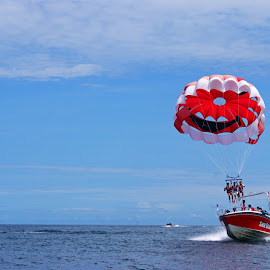 Parasailing by Mulawardi Sutanto - Sports & Fitness Watersports ( watersport, bali, indonesia, parasailing, sport, travel )