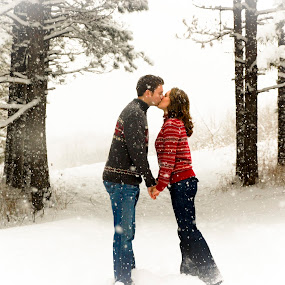 Snowy Engagement by Jess Anderson - People Couples ( kissing, winter, snow, couple, engagement )