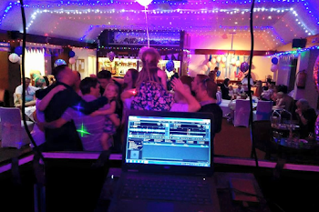 Children's Party DJ Hire In Bracknell, Berks  & Surrey | DJ CJ Disco