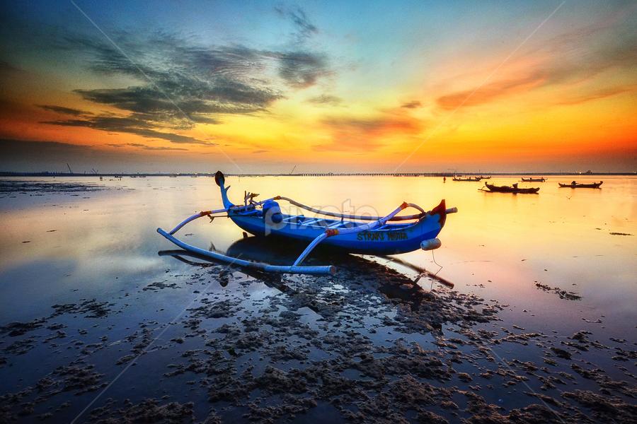 by Hendri Suhandi - Landscapes Waterscapes ( bali, sunrise, beach, landscape, boat )
