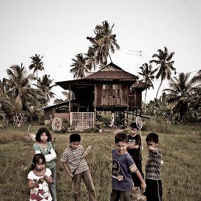 dont mess with us by Ezuwan Razali - People Family