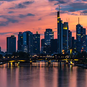 frankfurt-skyline-sunset (1 of 1).jpg