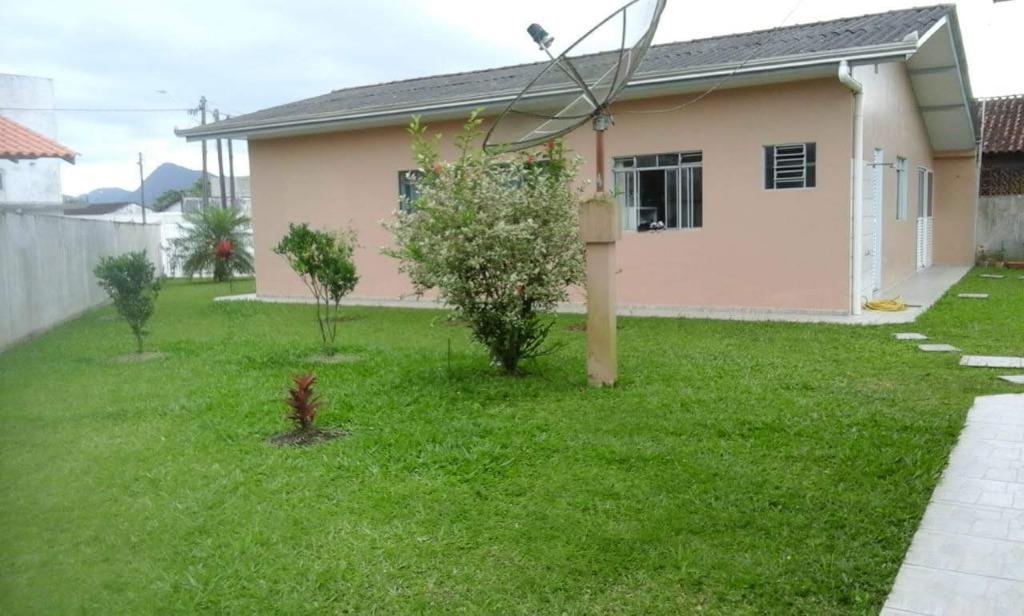 Casa com 3 dormitórios à venda, 139 m² por R$ 345.000 - Guaratuba - Guaratuba/PR