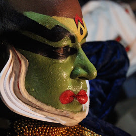 kathakali artist by Adithyan Madhav - People Musicians & Entertainers ( entertainers, people )