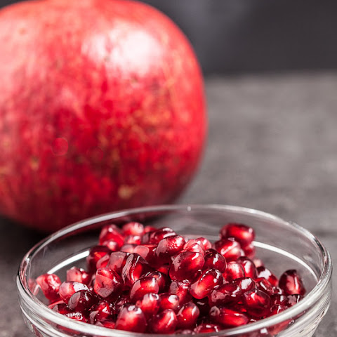 Pomegranate Salad with Pear and Blue Cheese