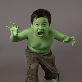 The little of HULK by Ari Ahmad - Babies & Children Child Portraits ( green, expression, man, people, little,  )