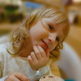 My angel by Robert Seme - Babies & Children Child Portraits ( girls, children portrait, girl, children, childrens, photography, portrait, photooftheday,  )
