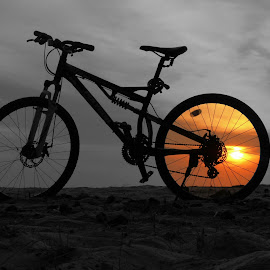 BW cycle by Andrew CLingax CLingux - Transportation Bicycles ( selective colour, sunset, bw, beach, bicycle,  )