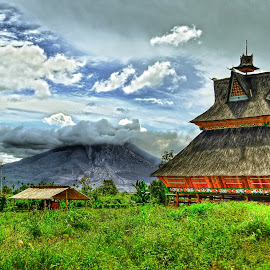 The Old House of Karo Tribe by Kriswanto Ginting's - Landscapes Travel ( indonesia, heritage, culture )