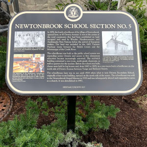 This #PlaqueFriday, it's also the end of the 1st week of school. #Flashback to the 1-room schoolhouse, when heating was a luxury. This Newtonbrook schoolhouse was built as access to free elementary ...