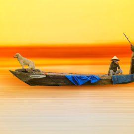 vietnam by Christian Heitz - Digital Art People ( vietnam 1, chien, couleurs, poeple, bateau )