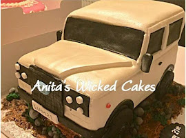 Land Rover shaped cake