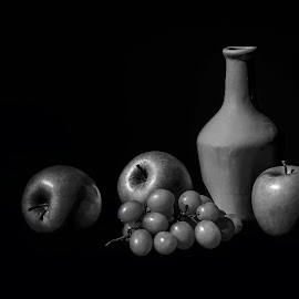 Shadow and light by Margareth Perfoncio - Artistic Objects Still Life ( appe, grapes, fruits, still, light )